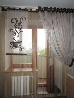 Шторы на кухню с балконной дверью на кольцах и на петлях. Фото 11