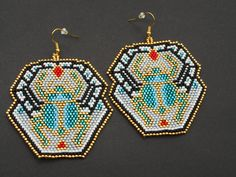 BIG Seed Beads Earrings handmade with Brick stitch with egyptian style scarab beetle di Tithadesh su Etsy Seed Bead Earrings, Beaded Earrings, Earrings Handmade, Seed Beads, Beaded Jewelry, Bead Crafts, Diy And Crafts, Hand Painted Furniture, Brick Stitch