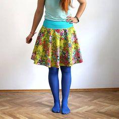 Kolová sukně - žlutozelené květy + tyrkysová