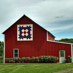 Barn Quilt Designs, Barn Quilt Patterns, Pattern Blocks, Amish Barns, Country Barns, Barn Wood Crafts, Barn Wood Projects, Painted Barn Quilts, Barn Signs