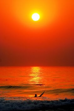 I have a thing with sunsets, to surf during the sunset, would be an absolute beautiful dream :)