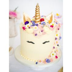 "204 Likes, 15 Comments - Sammi-jo Gascoyne (@blushingcook) on Instagram: ""I couldn't make a unicorn cake without @edible_flowers all over it now could I? """