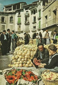 Graus market in Huesca, Spain  | March 1956