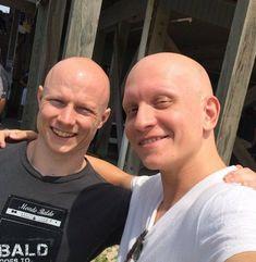 Anthony Carrigan, Skinhead Men, Bald Men Style, Bald Men With Beards, American Ninja Warrior, Bald Heads, Bearded Men, Shaving, Hair Cuts