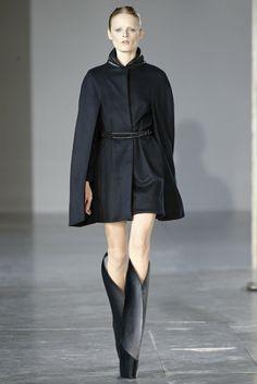 Iris van Herpen RTW Fall 2014 - Slideshow - Runway, Fashion Week, Fashion Shows, Reviews and Fashion Images - WWD.com