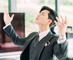 Seo-Joon Park in Kimbiseoga wae geureolkka Park Seo Joon Abs, Joon Park, Park Seo Jun, Hyun Bin, Asian Actors, Korean Actors, Park Seo Joon Instagram, Korean Drama Quotes, Actrices Sexy