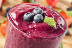 Cancer-Fighting Breakfast Smoothies | The Dr. Oz Show--      1 very ripe banana (the riper the banana, the greater the antioxidants)     2 cups frozen fruit/berries     1 cup almond milk or soymilk