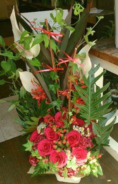 花ギフトのプレゼント【BFM】 赤バラの情熱 そんなフラワーアレンジメント http://www.basketflowermarkets.com
