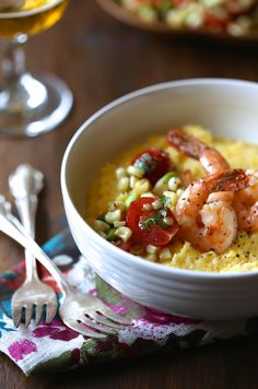 foodie fridays: beer braised shrimp & grits with summer succotash - Climbing Grier Mountain