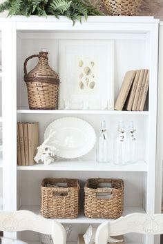 How to decorate any bookshelf!