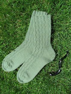Ravelry: Snakes in the Grass Socks pattern by Evelyn A. Clark Free pattern