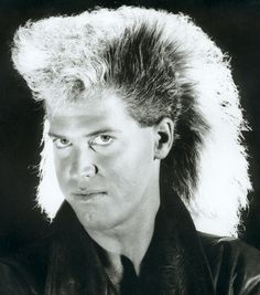 eighties guy hair Bad Hair Day, Big Hair, Your Hair, 80s Haircuts, Ugly Hair, Awkward Family Photos, Retro Hairstyles, Crazy Hairstyles, Funny Hairstyles