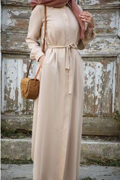 Modern Hijab Fashion, Korean Girl Fashion, Islamic Fashion, Abaya Fashion, Hijab Chic, Hijab Style Dress, Sew Maxi Dresses, African Fashion Dresses, Fashion Outfits