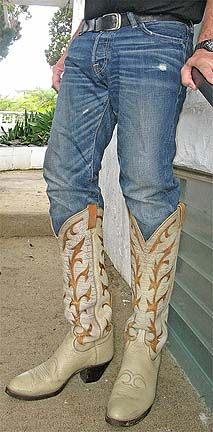 Custom Cowboy Boots, Western Boots, Cowboy Western, Cowboy Love, Cowboy Art, Tall Boots, Black Boots, Mens Attire, Sexy Jeans