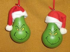 FOR CHRISTNAS Grinch Lightbulb. paint light bulb grinch green, then draw out face w/pencil lightly paint yellow eyes, then use fine tip permanent marker to finish off face. Dollar store Santa hats glued to top. Grinch Christmas, Diy Christmas Ornaments, Christmas Projects, Winter Christmas, All Things Christmas, Holiday Crafts, Holiday Fun, Christmas Holidays, Christmas Decorations