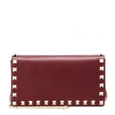 Valentino Rockstud Leather Shoulder Bag (€790) ❤ liked on Polyvore featuring bags, handbags, shoulder bags, clutches, purses, red, valentino, leather shoulder handbags, red leather handbag and red purse