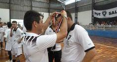 A Associação Atlética Botucatuense (AAB) conquistou neste domingo, dia 14, o vice-campeonato Metropolitano A2. A Veterana empatou em 4 a 4 contra Franco da Rocha. Como o adversário venceu o primeiro confronto por 4 a 1, a AAB teve de se contentar com o segundo lugar na competição.