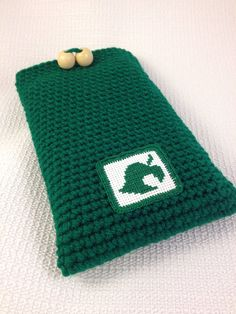 Animal Crossing Case by PaisleyMouseHandmade on Etsy Knitting Projects, Crochet Projects, Knitting Patterns, Crochet Patterns, Crochet Ideas, Crochet Case, Knit Crochet, Animal Crossing 3ds Xl, Tsumtsum