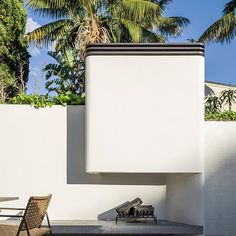 Today's #MondayTheme outdoor #Fireplace is a preview from a recently completed and photographed #LuigiRosseliArchitects #TerraceHouse project in #Woollahra #Sydney.  Again a concrete plinth takes the heat while the vent detail at the top of the wide, forge-like, chimney, is painted with a Stove Bright heat resistant paint in a metalic black colour for contrast and practicality.  Look out for more images from the project appearing in the coming weeks. (Project #Architect @SeanPJohnson…