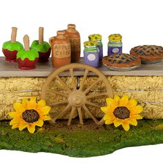 A-44 Hay Bale Treats – Fall Festival – LIMITED An assortment of prize winning goodies for sale! Candy apples, cider jam and pie! 1.75″ x 2.625″ Limited from Oct 2017 to Oct …