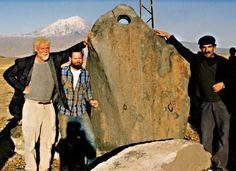 Noah's Stone Anchor Found near Mount Ararat? The Length of the Noah ruins Matches the Biblical Record! Noah's Ark at 515 feet The length of the ruins of the ark is 515 ft., which is exactly 300 Royal Egyptian cubits (20.6 inches)! Moses was schooled in Egypt and was not familiar with the Hebrew cubit which was not even in existence when Moses wrote Genesis