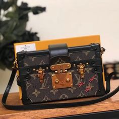 aa2599e8f08a Louis Vuitton Monogram Canvas Petite Malle M40273  handbagknockoffs Best  Handbags