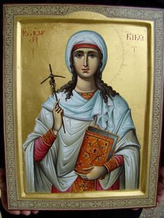 Nina of Georgia Byzantine Icons, Byzantine Art, Religious Icons, Religious Art, Greek Icons, Roman Church, Russian Orthodox, Catholic Saints, Orthodox Icons