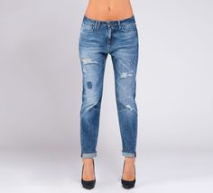 WPT513 - Cycle #cyclejeans #cycle #jeans #boyfriendjeans #rippedjeans #rips #style #fashion #gilr #model #woman #apparel