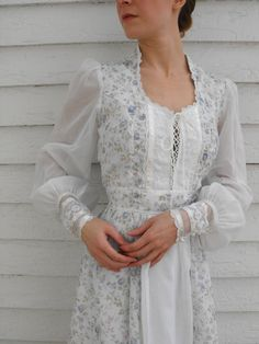 Gunne Sax White Floral Dress Prairie Boho Lace Corset by soulrust, $89.99  Why are all the dresses I like only come in XS?!  :/