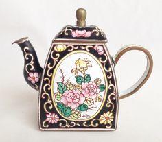 Floral design teapot - Charlotte di Vita enamel teapot from nivagcollectables.co.uk