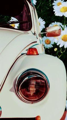 Ideas for vintage wallpaper iphone retro posts Vintage Wallpaper Iphone, Screen Wallpaper, Wallpaper Backgrounds, Retro Cars, Vintage Cars, Disney Background, Cute Cars, Disney Cars, Car Wallpapers