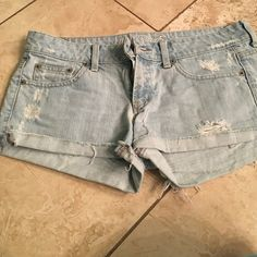Shorts Ae shorts size 6 American Eagle Outfitters Shorts Jean Shorts