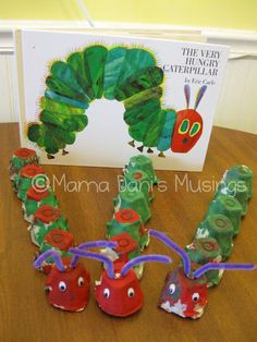 """Eric Carle """"Very Hungry Caterpillar"""" Craft using egg cartons. Toddler Crafts, Preschool Crafts, Crafts For Kids, Eric Carle, Hungry Caterpillar Craft, Craft Projects, Projects To Try, Book Crafts, Spring Crafts"""