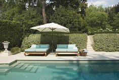 Trying to find the best look for your backyard space? Decor Aid has sourced these designer pool lounge chairs to turn your backyard into a luxe retreat. Outdoor Pool, Outdoor Spaces, Outdoor Living, Outdoor Decor, Pool Furniture, Outdoor Furniture Sets, Pool Lounge Chairs, Backyard Chairs, Villas In Italy
