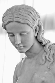 greek statue LEI by Giuseppe Gerbasi on Plaster Sculpture, Roman Sculpture, Sculptures, Ancient Greek Sculpture, Greek Statues, Renaissance Kunst, Statue Antique, Marble Art, Wow Art