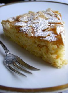 Torta spagnola all'arancia e mandorle, Ricetta Petitchef Wash the oranges thoroughly and cut them into very small pieces including the peel. Bakery Recipes, Dessert Recipes, Cooking Recipes, Italian Desserts, Italian Recipes, Lemon Recipes, Sweet Recipes, Orange And Almond Cake, Torte Cake