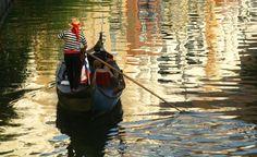 Gondola Adventures®, Inc. - Irving, Las Colinas, romantic gondolas, date night, DFW, Dallas - Photos - Rowing Gondolas