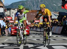 Wiggins & Nibali, guess we'll be seeing this again the following weeks in the Giro