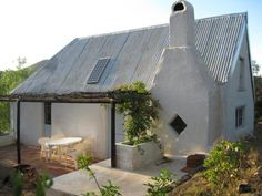 Watermill Farm, Van Wyksdorp, Western Cape on Budget-Getaways Beautiful Homes, Beautiful Places, Cape Dutch, African House, Cabins And Cottages, Weekends Away, Modern Buildings, Weekend Getaways, Old Houses