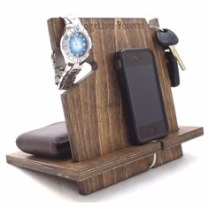 Universal Wood iPhone/Android Docking Station