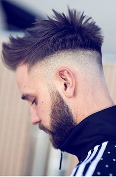 33 Trendy Undercut Hairstyles To Compliment Your Beard Mens Hairstyles 2018, Best Undercut Hairstyles, Cool Hairstyles For Men, Haircuts For Men, Hairstyle Ideas, Medium Haircuts, 50s Hair Tutorials, Best Barber, Hair 2018