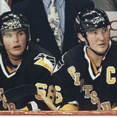 Jaromir Jagr and Mario Lemieux  Penguins at their best!!