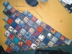 Da ich immer wieder gefragt werde, wie diese Decke gestrickt wird, schreibe ich die Anleitung dazu mal hier in den Blog. G...