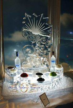 Ice sculture caviar station: a luxurious and magnificent way to wow your guests! #icesculpture #caviar #eventfood