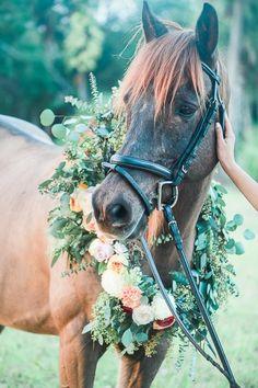 Horse Garland Wreath