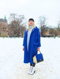 Stockholm fashion week produced this little chestnut of a shot of a blue topper matching  a Celine bag.. Nice#FaceHunter
