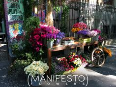 Press Day for Attila PR Agency, Milano. Flower stand we created to prepare bouquets for the guests.