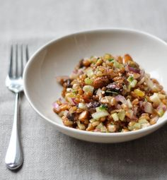 Last week a reader asked if we had any good recipes for winter salads with wheat berries. So when I tasted this fresh and sweet, tangy and crispy wheat berry salad from a local chef, I had to ask for the recipe! This is a perfect salad for winter lunches, office potlucks, and holiday parties.