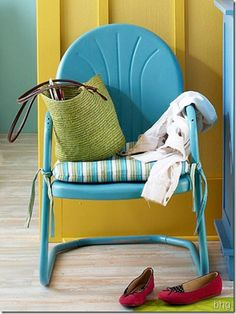 Patio chair re do  i love these chairs Antique Metal Lawn Chairs   Metal Lawn Chairs   Pinterest   Metal  . Antique Motel Chairs. Home Design Ideas