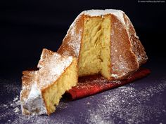 Treat yourself with a delicious Pandoro cake, a delicious panettone speciality from Verona. Pastry Recipes, Baking Recipes, Cake Recipes, Dessert Recipes, Desserts With Biscuits, No Bake Desserts, Food Illustrations, Bread Baking, Eat Cake